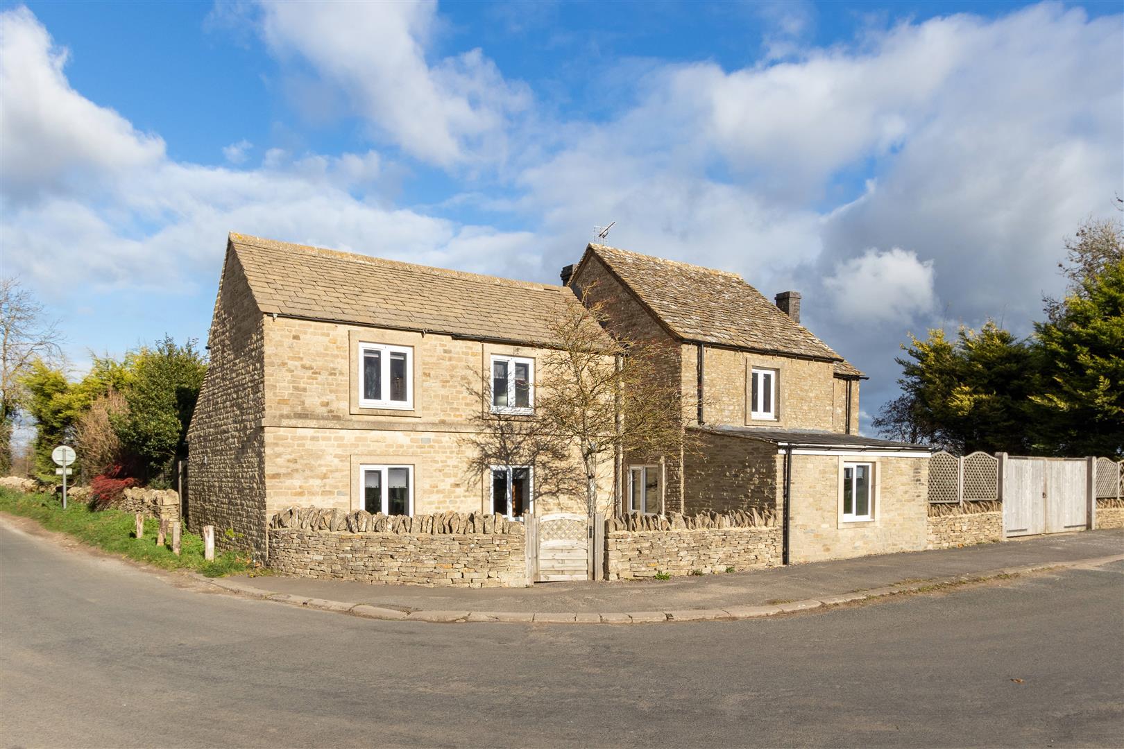 Pike House-28.jpg